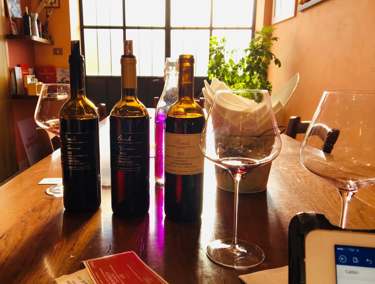 Gianfrancon luona viinejä arvioimassa